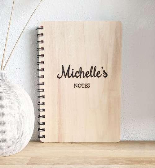 Notitieboek van hout met naam