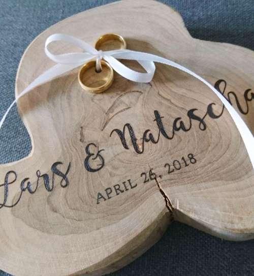 Ringenhouder van hout bruiloft